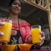 Jugolandia: Natural Fruit Juice Bar in Havana