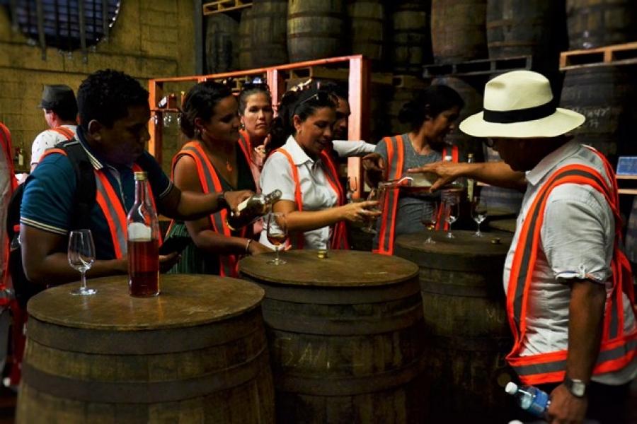 ConBac-Havana: Desde la cantina, puntos de convergencia