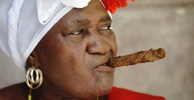 Juana la cubana, la santera de la Plaza de la Catedral de La Habana