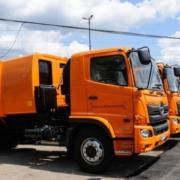 Llegan los últimos 28 camiones colectores de basura del lote donado por Japón