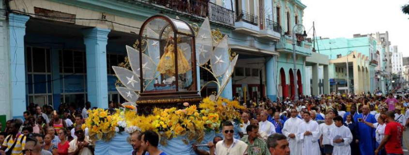Cubanos piden paz en el día de la virgen de la Caridad del Cobre, Santa Patrona de la isla