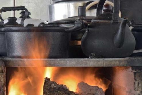 Cuba recurre a bueyes y cocinas a leña ante déficit de combustible tras sanciones EEUU