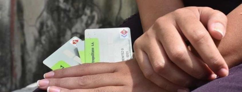 """Banco Metropolitano ofrece """"bonificación"""" por el uso de tarjetas magnéticas"""