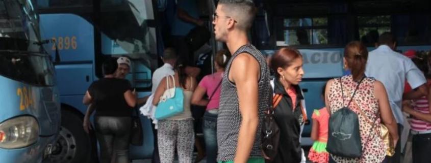 El gobierno anuncia que se retoman los viajes interprovinciales en tren y ómnibus