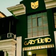 El Gato Tuerto, el bar-restaurante de la calle O, casi enfrente del Hotel Nacional, en el Vedado. Foto: onlinetours.es
