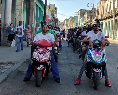 Las «motorinas» invaden las calles de La Habana