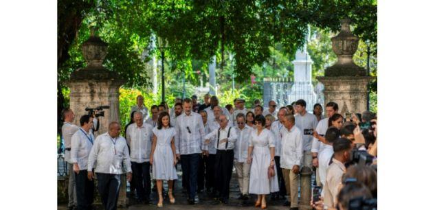 A Cuba, le roi d'Espagne face à l'arbre fondateur de La Havane, 500 ans après