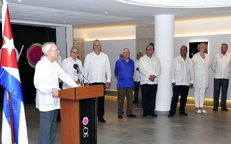 Inaugurated the Paseo del Prado Hotel in Havana