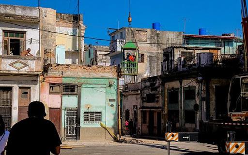 Díaz-Canel «lamenta sentidamente» muerte de niñas por derrumbe en La Habana