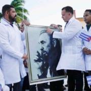 Médicos cubanos parten a Italia para ayudar en epidemia de coronavirus