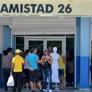 "Cuba: Lessons from this ""induced coma"" in the economy"
