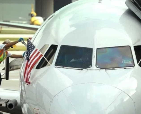 Two Miami-Havana flights of repatriation of Cubans on Friday 22