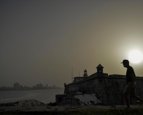 Sahara dust cloud hits Havana