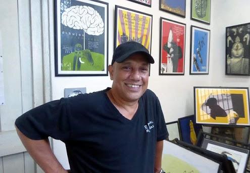 Cuban cartoonist Aristides Hernandez wins grand prize at int'l COVID-19-themed contest
