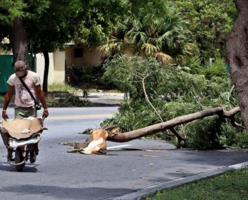 Cuba récupère après une Laura moins dommageable