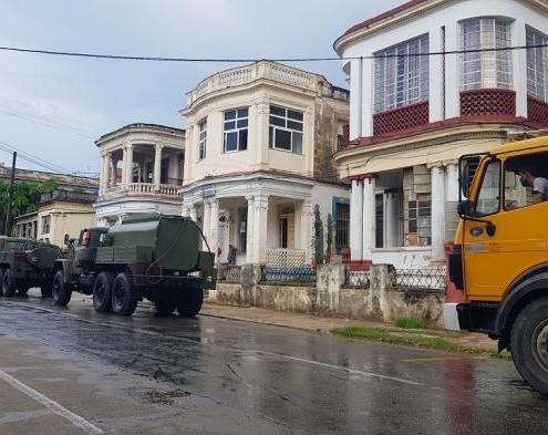 La désinfection des rues et des espaces publics revient à La Havane