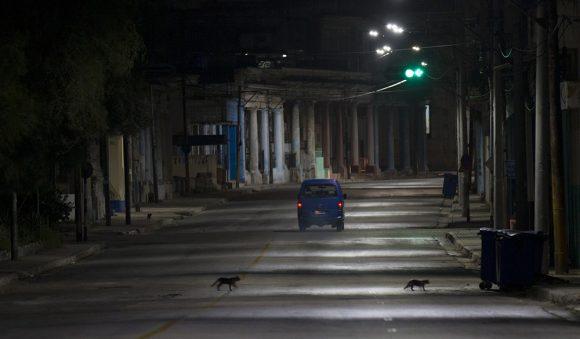 La Habana se recoge en la primera noche de restricciones