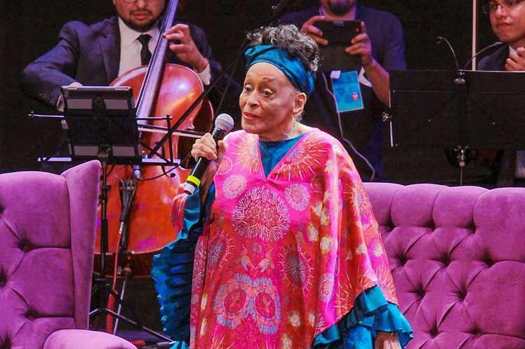 Omara Portuondo, la 'novia del feeling'