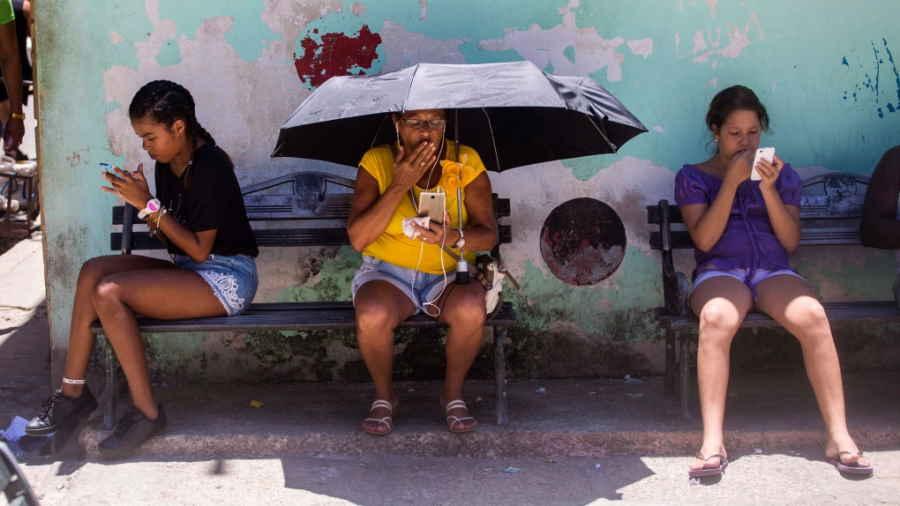 Cuba ampliará cobertura de Internet para el 2021