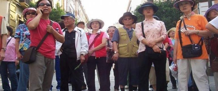 China y Cuba firman memorando de cooperación en turismo