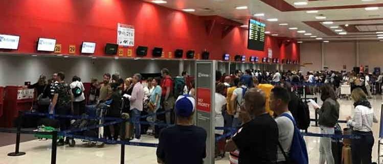 Cuba reduce entrada de viajeros por aumento de casos de Covid-19