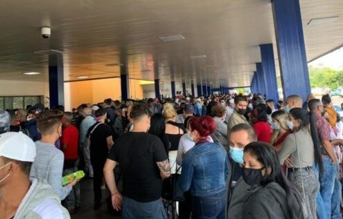 Cuba's Restrictions, Airlines' Silence, Creates Chaos