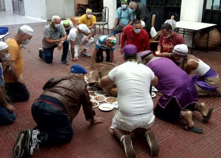 Les Santeros cubains avertissent et recommandent pour 2021