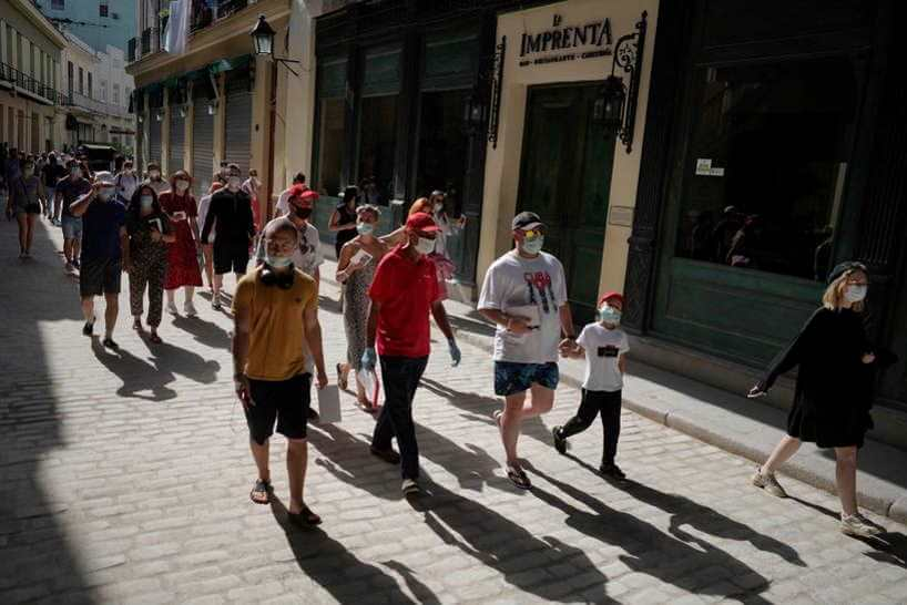 Tourists stream back to Havana despite tough COVID-19 protocols
