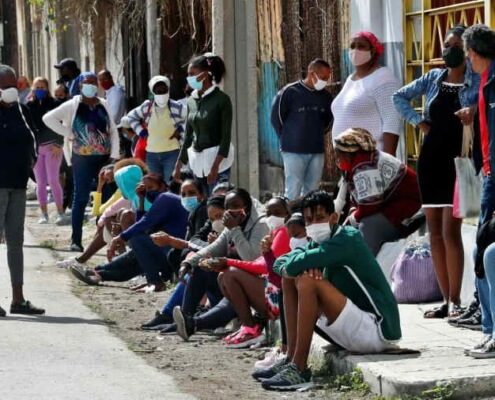 Havana lives under the siege of the new coronavirus