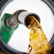 Cuba establece precios diferenciados al combustible de los transportistas privados