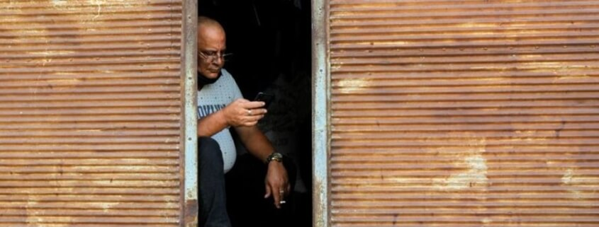 Cuba loses phone, internet connections for about 90 minutes
