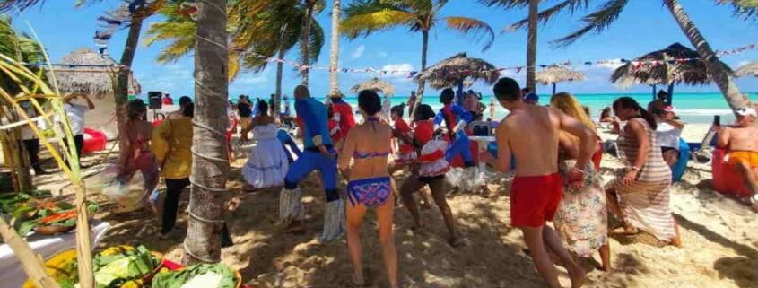 Así disfrutan los turistas en Cuba vacaciones