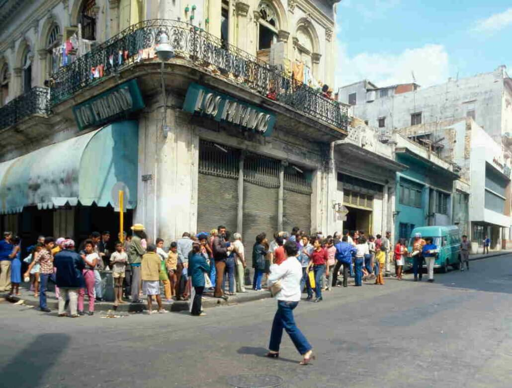 How Cubans earn a living from standing in line