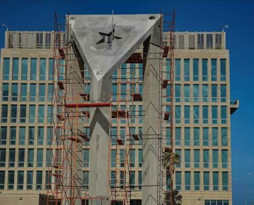 Cuba erects giant concrete flag in front of US embassy