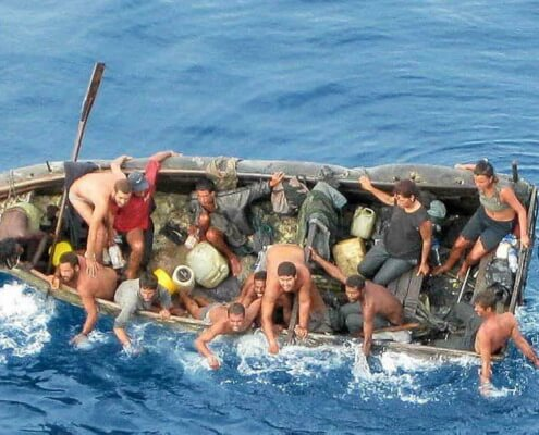 Gobierno de Estados Unidos pide a los cubanos evitar la migración ilegal