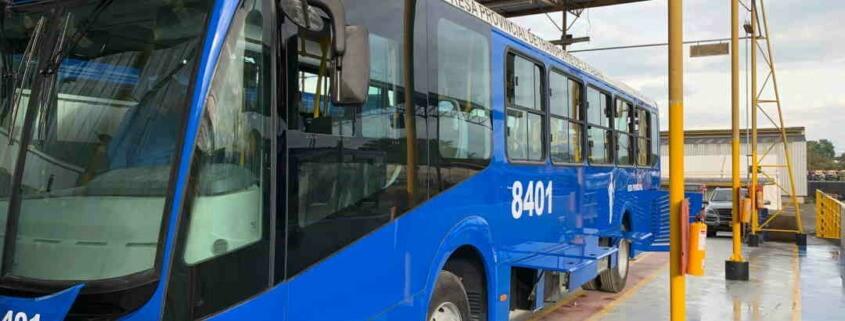 Japón dona ómnibus para el servicio público en La Habana