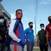 U.S. grants last minute visas to Cuban baseball team