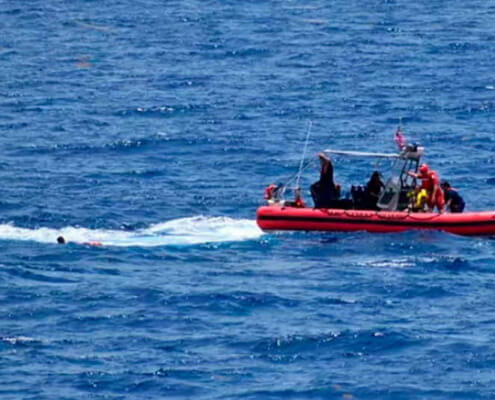 US suspends search for 10 Cubans missing at sea