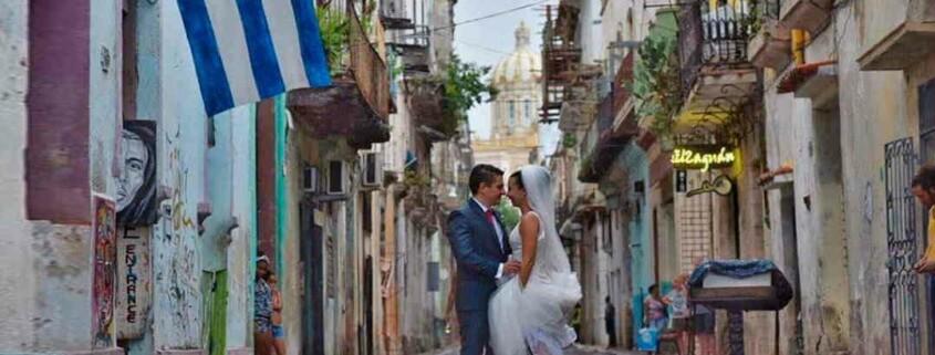 Neither weddings nor house sales in Havana