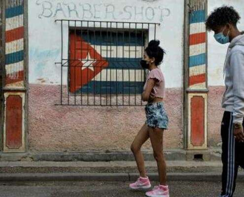 Cuba approves legal status for private businesses