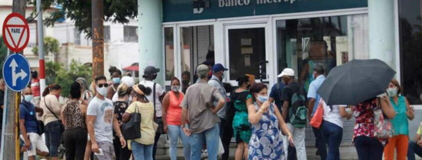 Cuban banks stop accepting dollar deposits in cash as of today