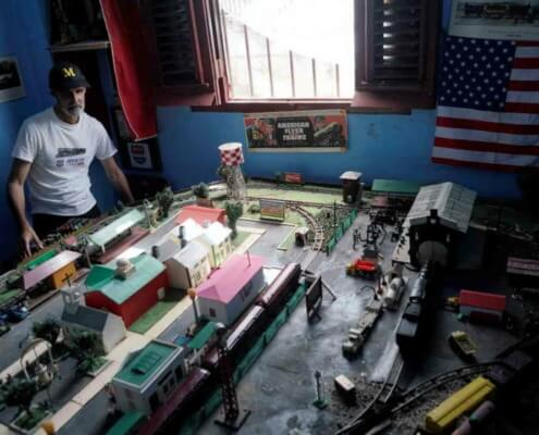 Cuban model vehicle enthusiasts repair old toys, create new ones
