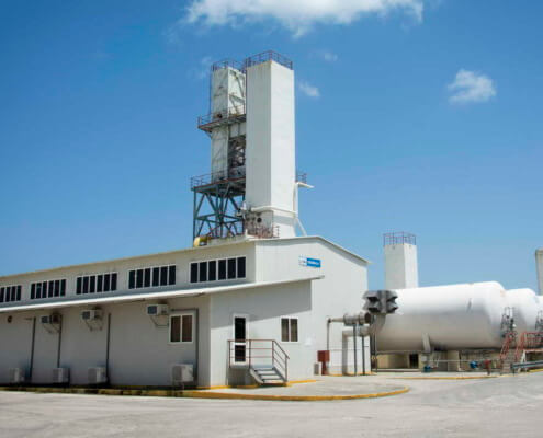 Cuba repara su principal planta de oxígeno en plena crisis de covid
