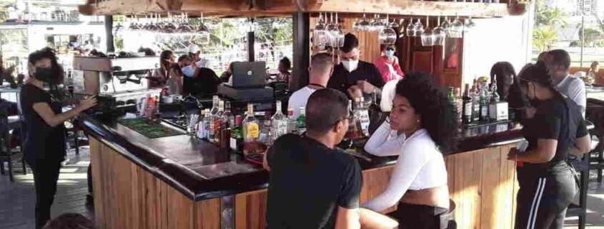Havana´s restaurants reopen but prices soar