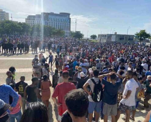 Cuba: activistas adelantan convocatoria de marcha tras anuncio de ejercicios militares